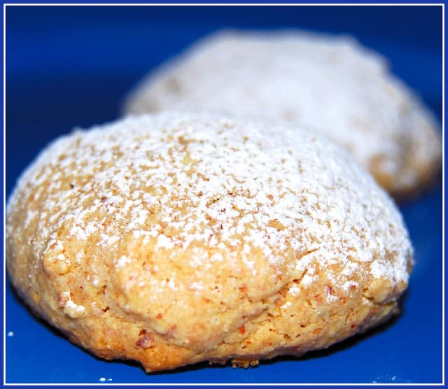Vegan Amaretti Cookies on a blue plate