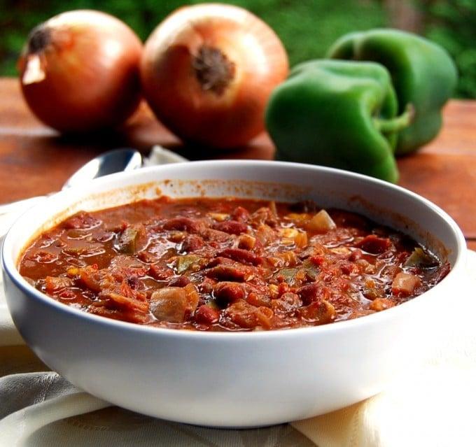 vegan mushroom crockpot chili