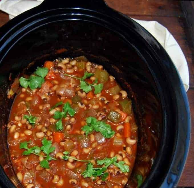 Slow cooker black-eyed peas stew