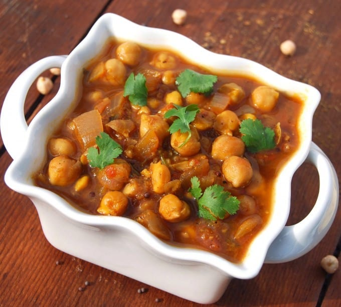 Easy chana masala recipe holy cow vegan recipes easy chana masala forumfinder Image collections