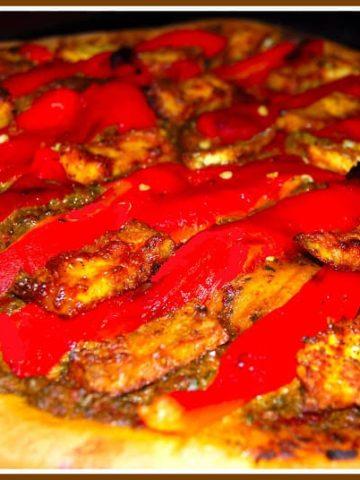 Pizza with tandoori tofu
