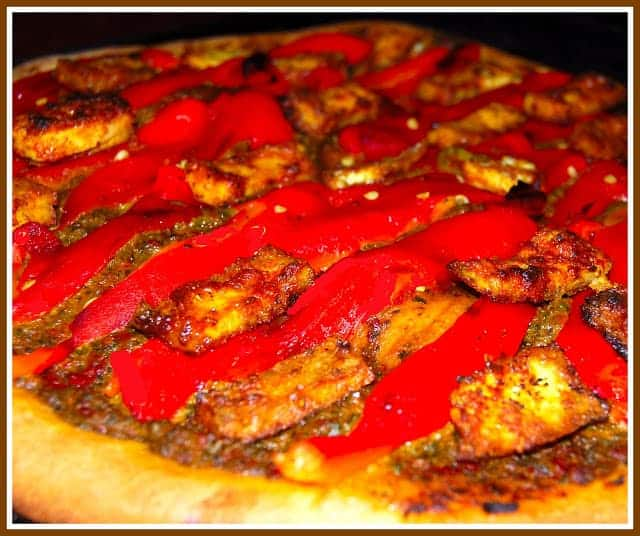 Pizza with tandoori tofu