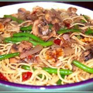 Angel-Hair Pasta with Green Beans and Mushrooms