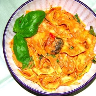 Pappardelle Pasta in Roasted Tomato Chipotle Sauce