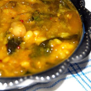 Spinach Amti with Peanuts