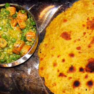 Peas-Carrot Subzi with Missi Roti