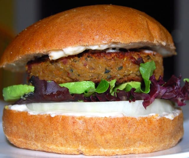Vegan Quinoa and Bean Burger - holycowvegan.net