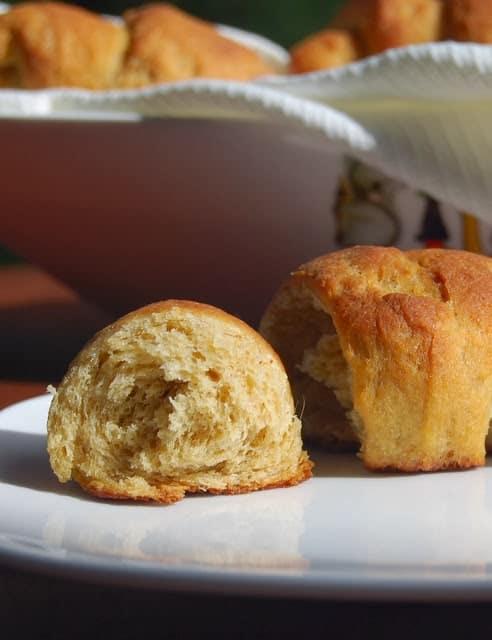Whole wheat crescent rolls - holycowvegan.net