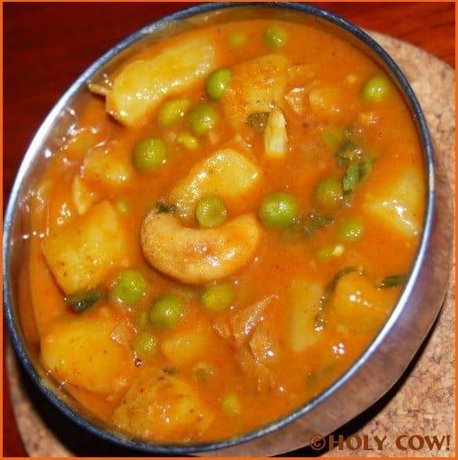 Creamy Peas Potato Curry