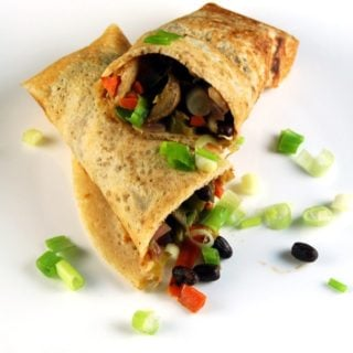 Dosa Spring Roll, a crispy dosa encasing a Chinese filling. Fusion food at its classic best. https://holycowvegan.net/2014/08/dosa-spring-roll.html