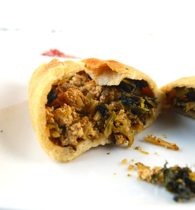 Pita Packet cross section with filling inside showing.