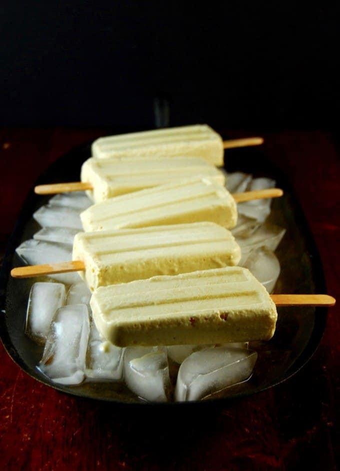 Pineapple cheesecake popsicles. Vegan, glutenfree.