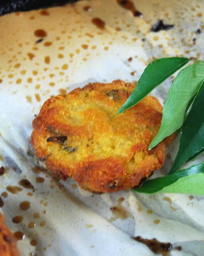 Baked, fat-free potato vadas (patties)