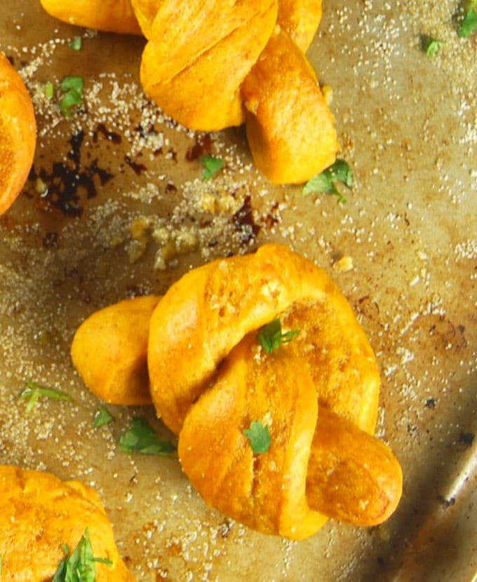 Pumpkin Garlic Knots, whole-grain