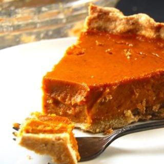 Pumpkin Pie with a Coconut Oil Crust. Vegan. Wholegrain. Soy-free.