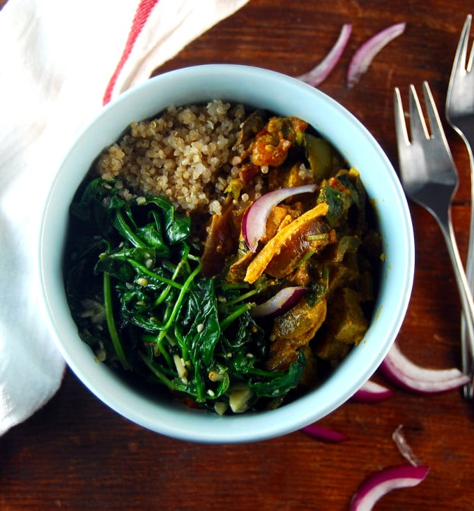 Karahi Tofu Bowl with Sauteed Garlicky Spinach and Quinoa-Cumin Pilaf. #vegan #glutenfree #giveaway