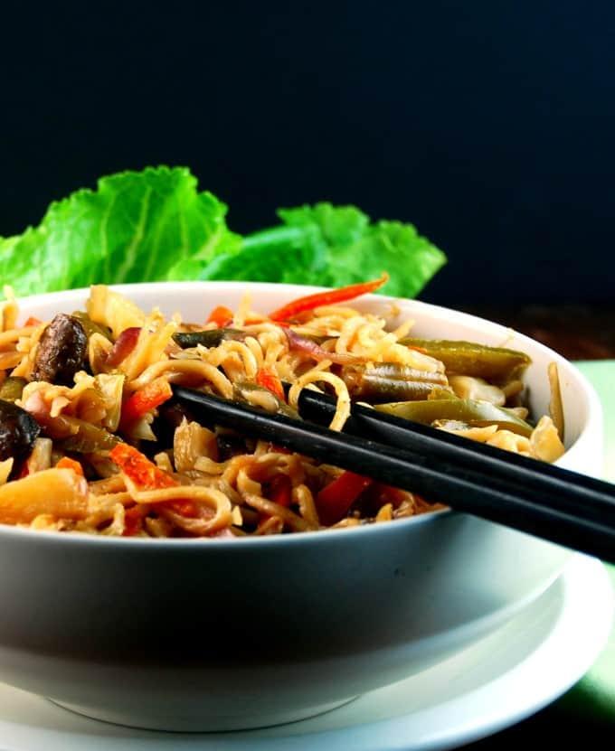Veg Hakka Noodles, Indo-Chinese street food