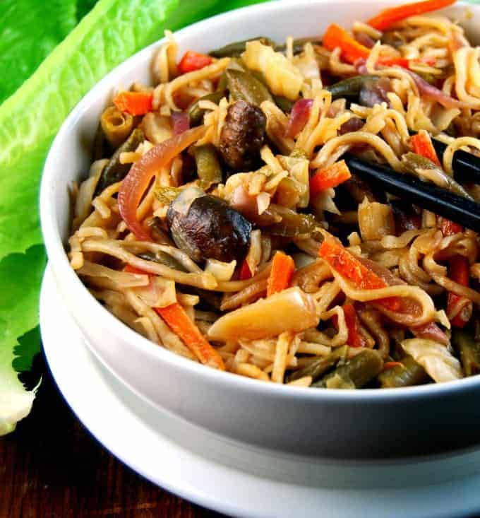 Veg hakka noodles an indo chinese street food stalwart holy cow veg hakka noodles indo chinese street food forumfinder Choice Image
