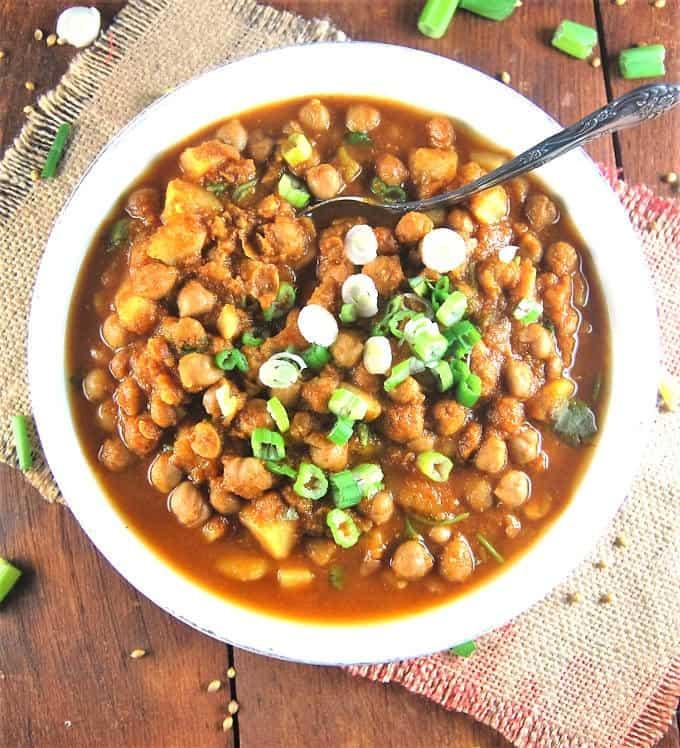 Slow Cooker Chana Masala - holycowvegan.net