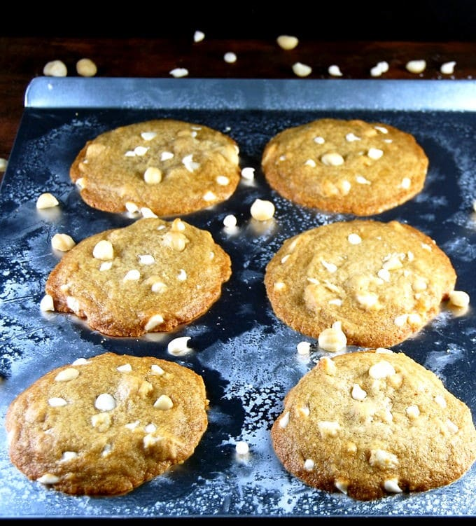 white-chocolate-macadamia-nut-cookies-2
