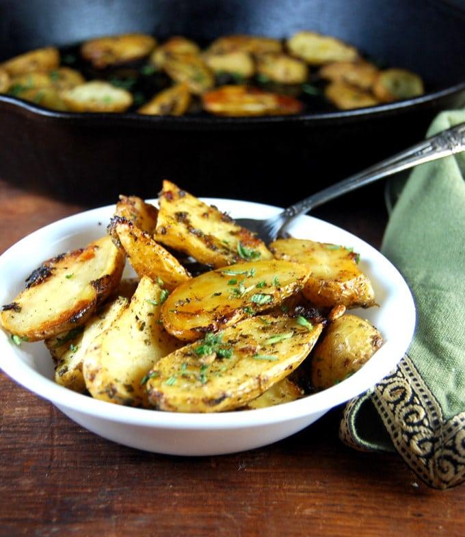 Herb Garlic Roasted Fingerling Potatoes