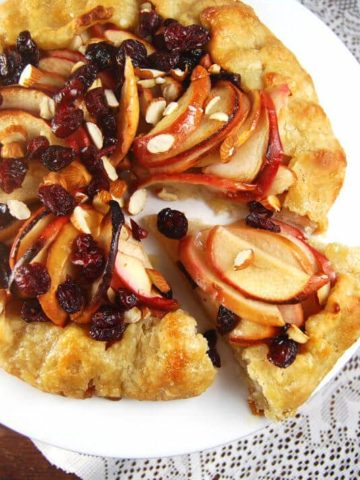 Ginger Apple Crostata with cranberries and toasted almonds - holycowvegan.net
