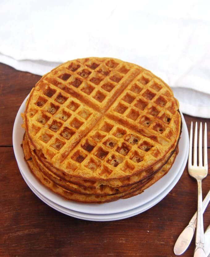 pumpkin-pie-sourdough-waffles-1-680x830.jpg