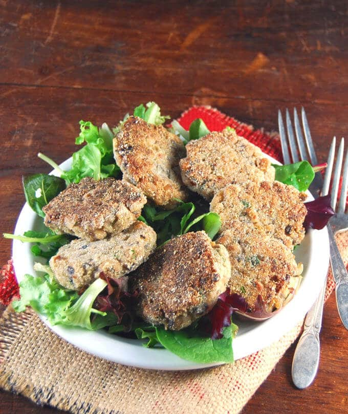 Delicious vegan black-eyed pea cakes made with just six ingredients and ready in under 30 minutes. You can also make these fat-free.