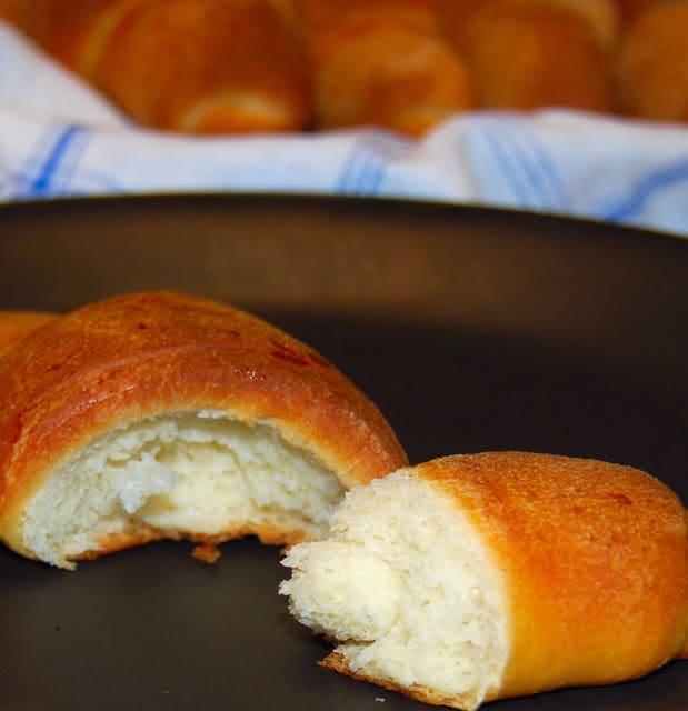 Vegan crescent rolls - holycowvegan.net