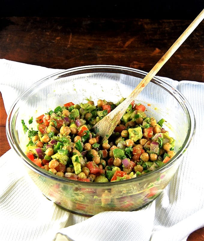 Vegan chickpea avocado salad for wraps and sandwiches - holycowvegan ...