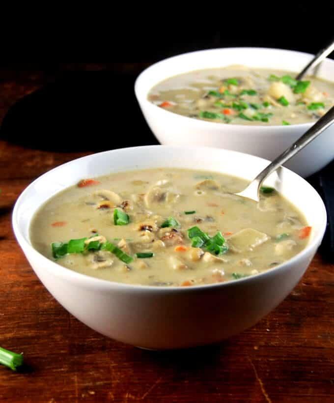 Creamy Curried Crock-pot Chowder, vegan and glutenfree - holycowvegan.net