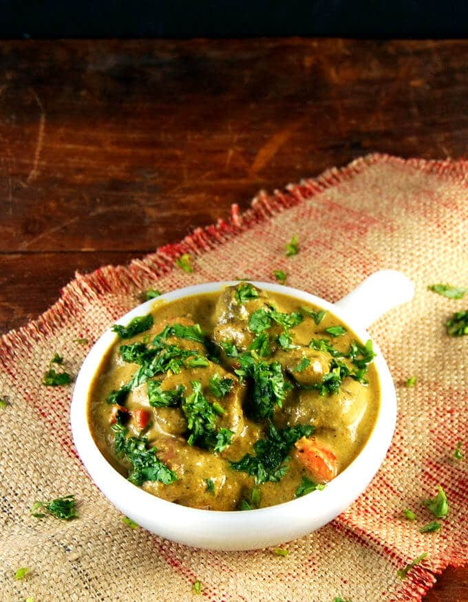 Goan Vegetable Xacuti, a healthy vegetable stew - holycowvegan.net