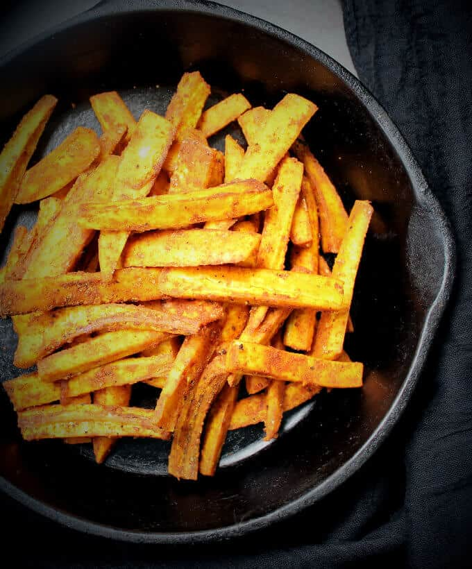 Baked plantain fries
