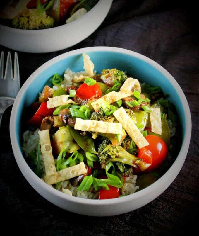 Rainbow Veggie Stir-Fry with Mushrooms, Bell Peppers, Snow Peas and Scallions - holycowvegan.net