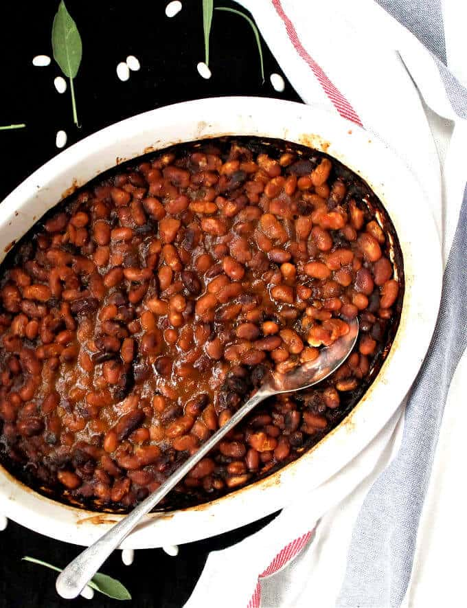 Vegan Boston Baked Beans - holycowvegan.net