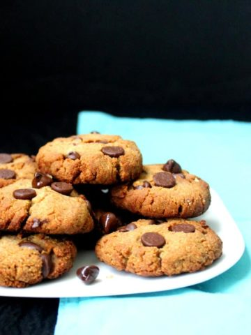 Grain-free Chocolate Chip Cookies, vegan and gluten-free - holycowvegan.net
