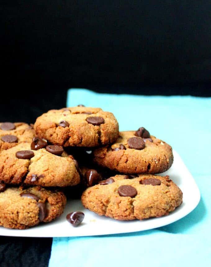 Grain-free Chocolate Chip Cookies, vegan and gluten-free - holycowvegan.net