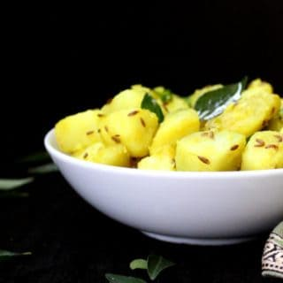 Jeera Aloo, Stir-Fried Potatoes with Cumin