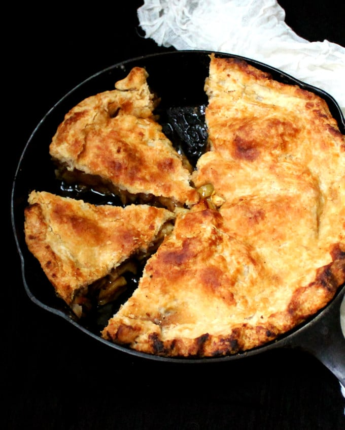 Vegan Skillet Apple Pie - holycowvegan.net