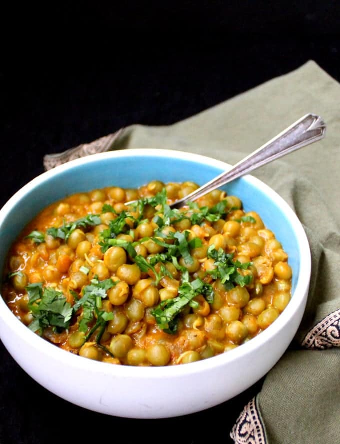spicy green peas masala