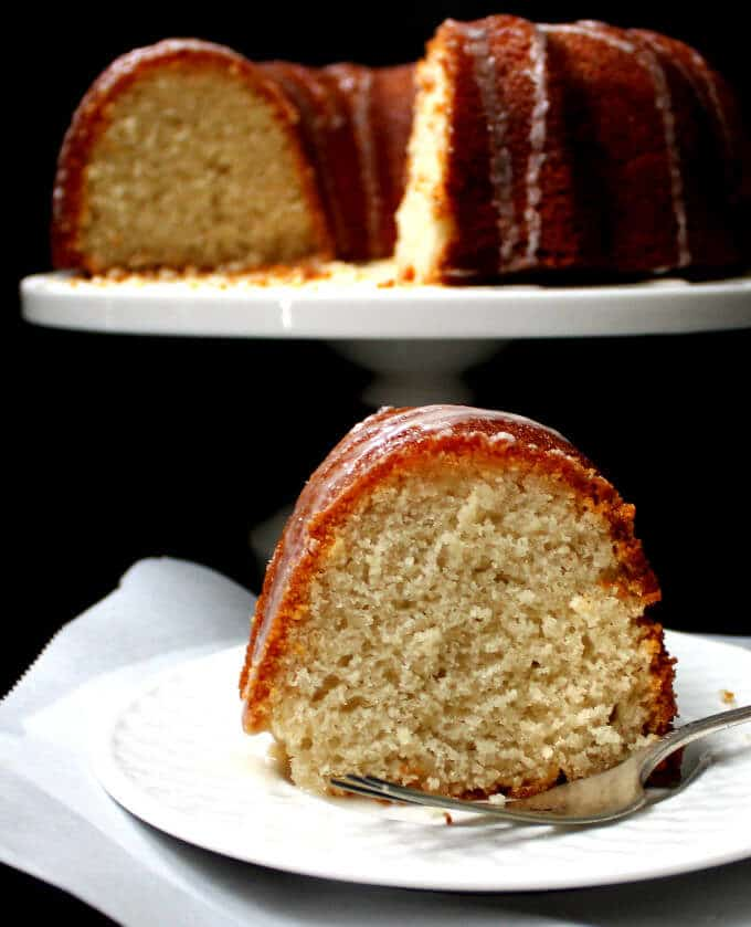 Vegan Lemon Yogurt Bundt Cake #vegan #cake #lemon #vegandessert HolyCowVegan.net