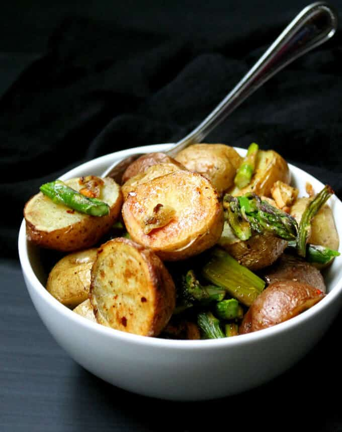 Garlicky Roasted Asparagus and Potatoes #vegan #glutenfree #soyfree #nutfree #asparagus #potatoes HolyCowVegan.net
