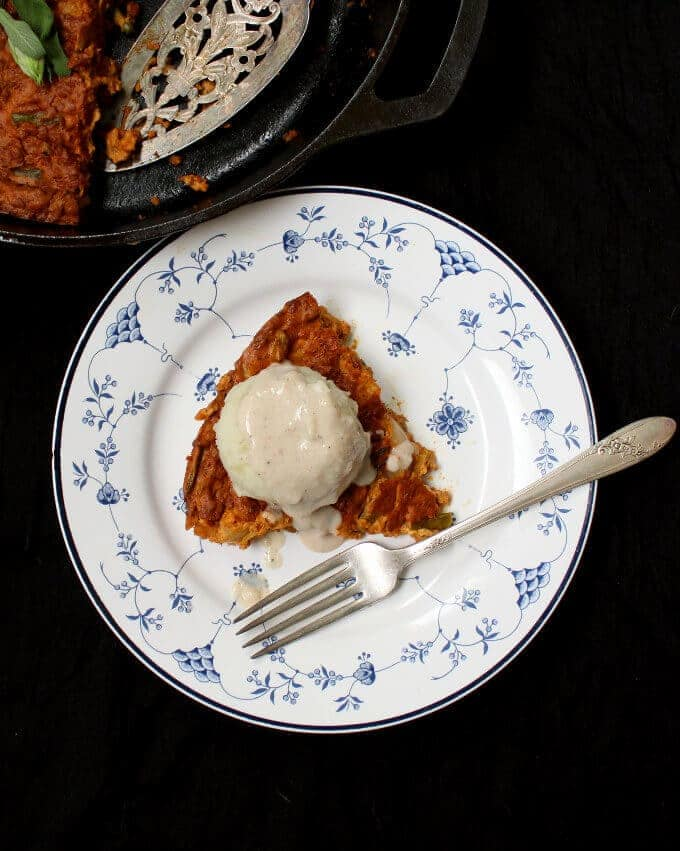 Vegan Chorizo Breakfast Quiche #vegan #onepot #quiche #glutenfree HolyCowVegan.net