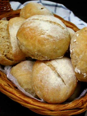 Crusty Sourdough Dinner Rolls, no knead, no added yeast #vegan #sourdough #bread HolyCowVegan.net