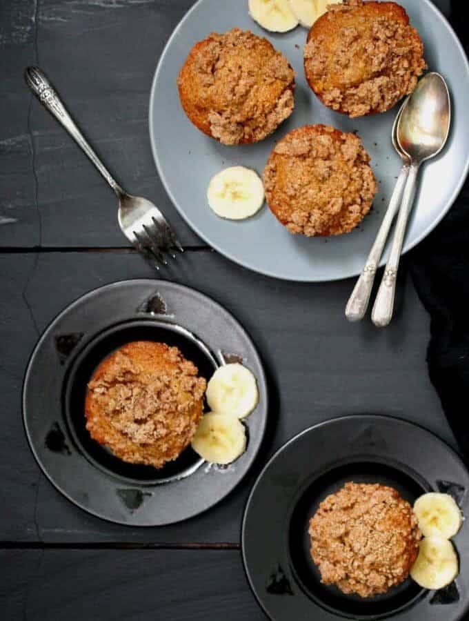 Vegan Banana Crumb Muffins #vegan #glutenfree #nutfree #wholegrain #breakfast HolyCowVegan.net