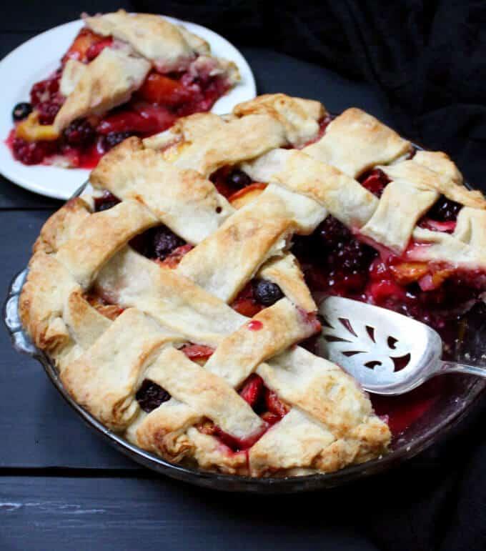 Vegan Peach Berry Pie #pierecipe #vegan #soyfree #nutfree #berries HolyCowVegan.net