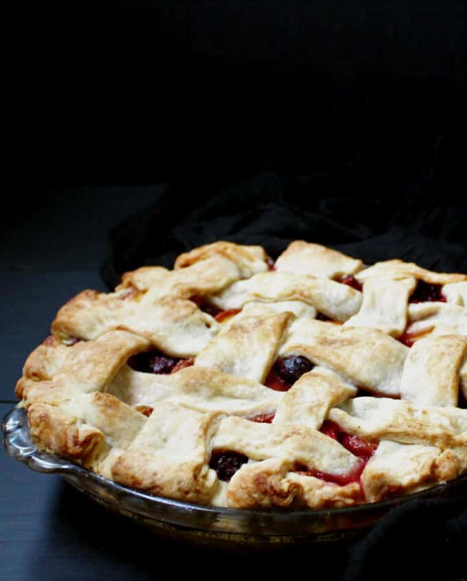 Vegan Peach Berry Pie #pierecipe #vegan #soyfree #nutfree #berries HolyCowVegan.net
