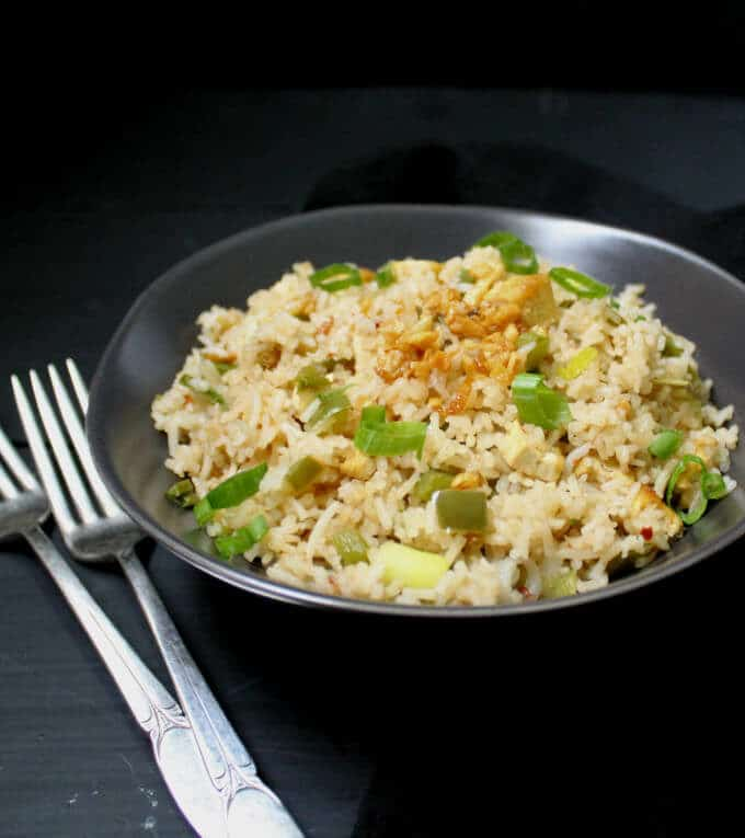 Indochinese Garlic Fried Rice #vegan #nutfree #glutenfree HolyCowVegan.net