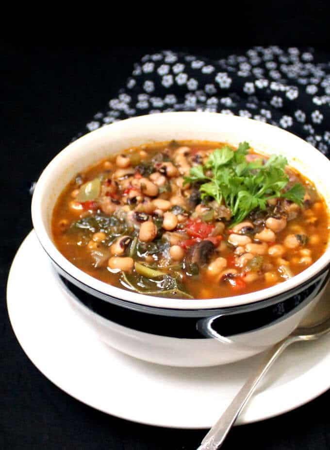 A vegan Instant Pot Spicy Southern Black Eyed Peas Stew is perfect for ringing in the New Year or just about anytime. This dish has all of the flavor of a Hoppin' John without the meat. #vegan #glutenfree #blackeyedpeas #cajun HolyCowVegan.net