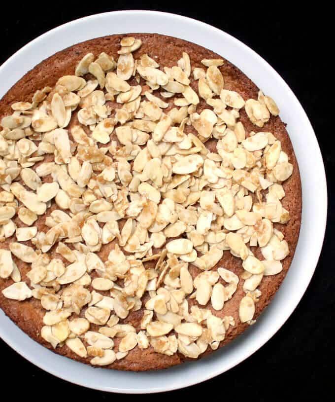 Almond Cake, citrusy, glutenfree and vegan - Holy Cow! Vegan Recipes